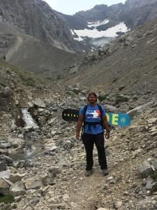 hiking, rae glacier, fashion, blogger, style, travel, mountains, mountain adventure, hikers